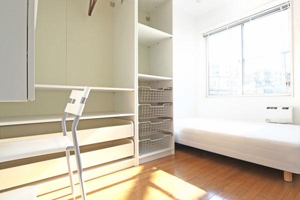 個室備え付けの家具