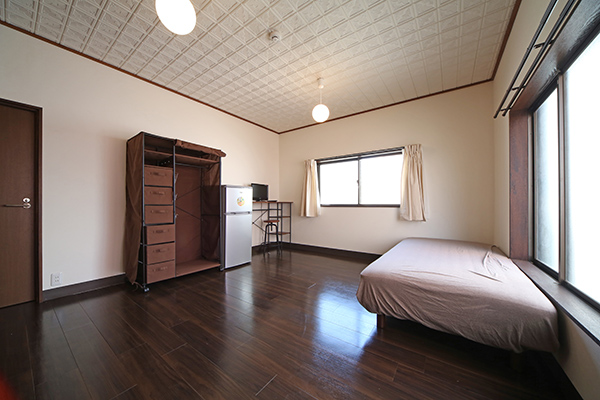 広い個室と収納など